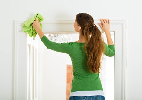 cleaning-washing-door